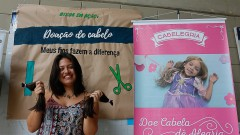 Caloura da FEA Ana Paula Tanashiro participa do trote solidário com a doação de cabelo no primeiro dia de matrícula na USP. Foto: Cecília Bastos/USP Imagem