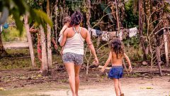 Moradores da cidade de Cruzeiro do Sul no estado do Acre. Foto: Cecília Bastos/USP Imagem