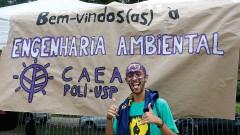 Vinicius Ferreira Lopes Calouro da POLI-USP participa de trote no primeiro dia na USP.