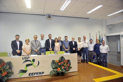 Comemoração de 10 da EEFERP