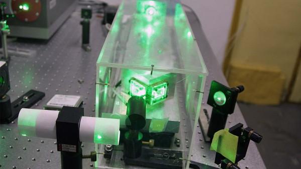 Equipamento Laser – Instituto de Física
