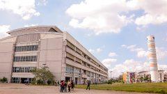 Alunos no campus da EACH. Foto: Cecília Bastos/USP Imagem
