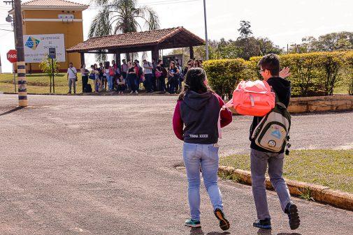 Alunos no Campus de Pirassununga