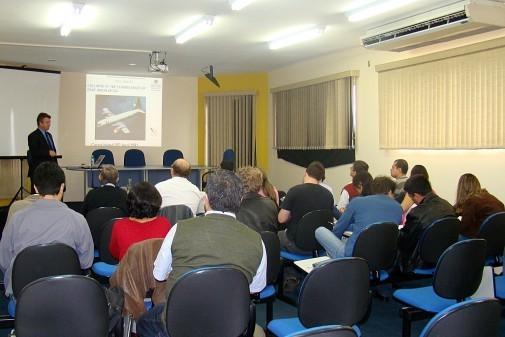 Curso sobre falhas nos acidentes aéreos – EEL