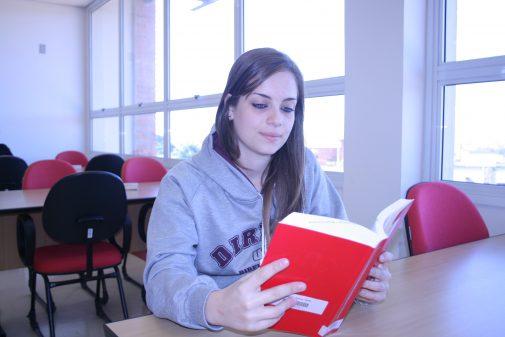 Olivia Pasqualeto, aluna da FDRP, 2010