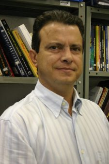 Prof. Dirceu Tomavoi de Carvalho, da FEARP