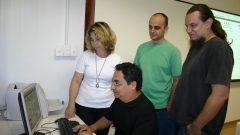 Prof. Osame Kinouchi e equipe, da FFCLRP, 2008