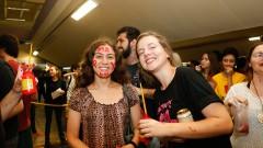 Calouros da FFLCH participam de trote no primeiro dia de matrícula na USP. Foto: Cecília Bastos/USP Imagem