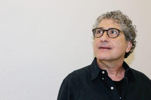 Maestro Gil Jardim. Orquestra de Câmara da Escola de Comunicações e Artes