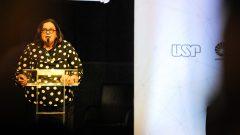 Maria Aparecida de Andrade Moreira Machado (pró-reitora de Cultura e Extensão Universitária da Universidade de São Paulo) durante o evento dos 30 anos de Autonomia de Gestão Financeira das Universidades Estaduais Paulistas. Foto: Cecília Bastos/USP Imagem