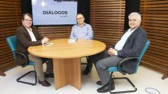 Diálos na USP – Democracias da América do Sul passam por período conturbado. Alberto Pfeifer e Everaldo de Oliveira Andrade