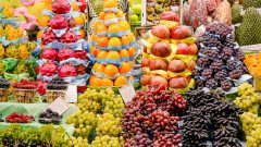 Frutas sendo vendidas no Mercado Municipal de São Paulo. Foto: Cecília Bastos/USP Imagem