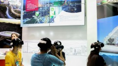 POli = 14ª Edição da Feira Brasileira de Ciências e Engenharia (FEBRACE) - Experiência com realidade virtual mostrando obras da odebrecht nas olimpiadas do Rio de Janeiro. foto Cecília Bastos