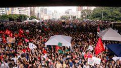 studantes e professores de universidades e institutos federais fazem protesto contra corte de verba na educação na Av. Paulista. Foto: Cecília Bastos/USP Imagem
