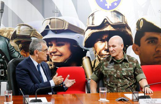 Dirigentes da USP visitam o Comando Militar do Sudeste